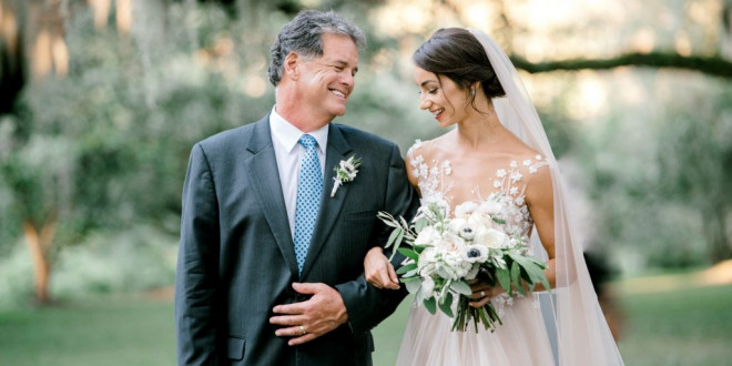 53 Emotional Father of the Bride Wedding Photos That'll Have You Reaching for the Tissues