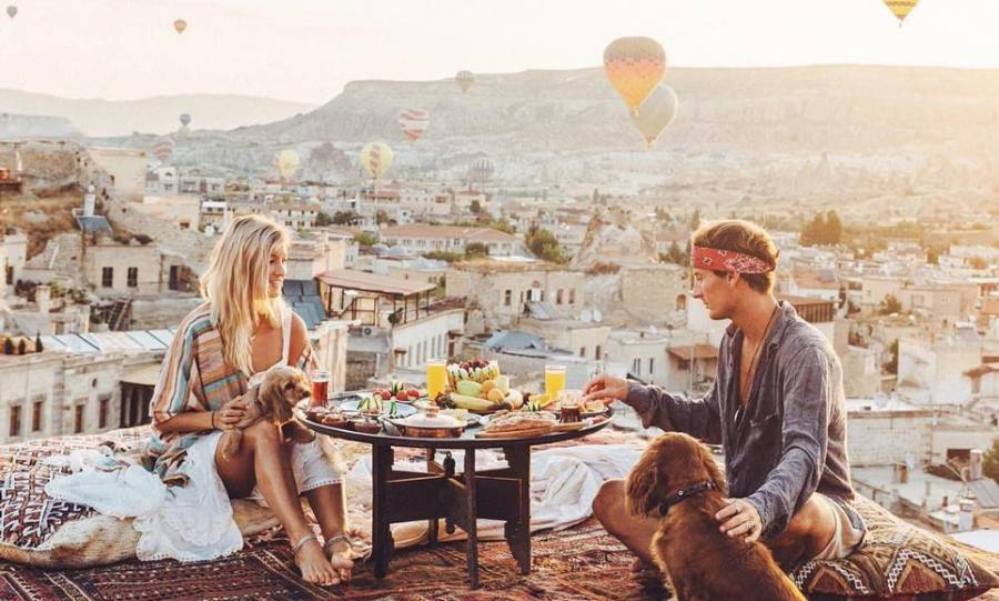 12 Signs Your Boyfriend Wants To Spend The Rest Of His Life With You | Her Beauty